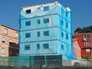 Comienza el derribo de las últimas casas afectadas por la ampliación de la AP-9